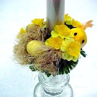 1 Mini narcissus candle ring with birds & nest.